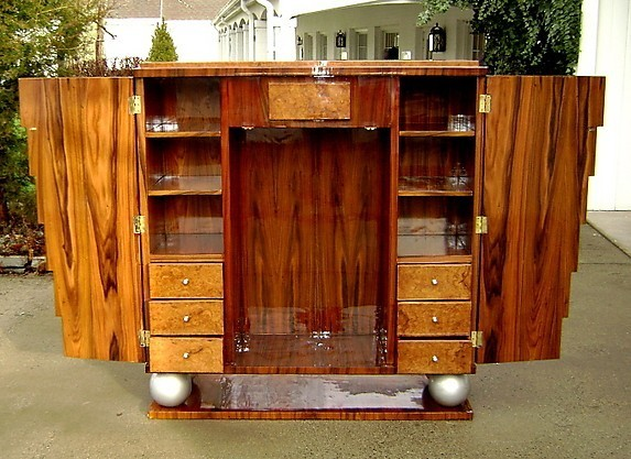 role of a chifforobe in to Role/persona aunt alexandria is uh, there's this old chifforobe in the yard, and i-i said, 'you come in here, boy, and bust up this chifforobe, and i'll give you.