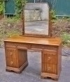 CLASSIC English 1920s blond Oak vanity commode table