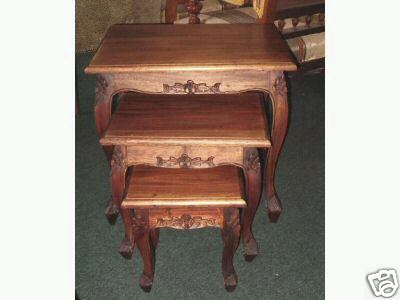 Nest of tables solid Mahogany queen anne syle